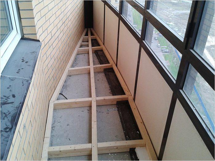 Как и из какого материала сделать шкаф на балконе своими руками?
