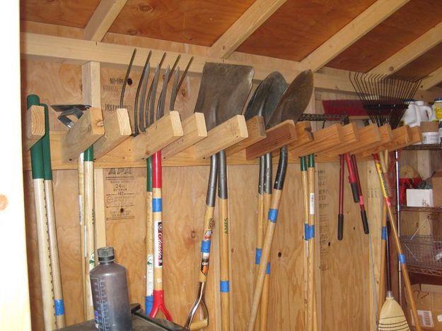 Простой и удобный способ хранения инструмента.