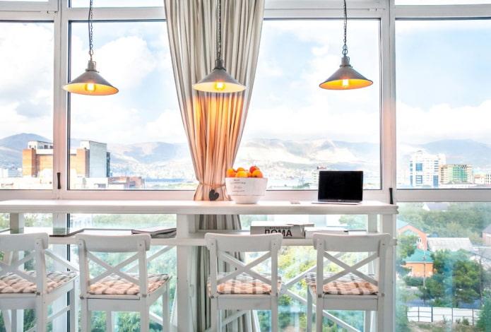 идея оформления балкона в стиле прованс