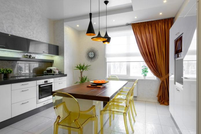 белая напольная плитка в интерьере кухни