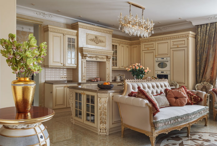 диван в интерьере кухни в классическом стиле