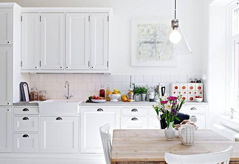 Маленькая кухня в белом цвете - дизайн интерьера