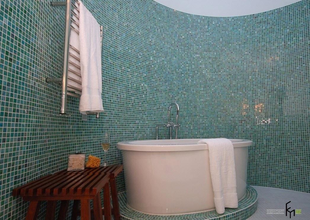 Овальная ванная