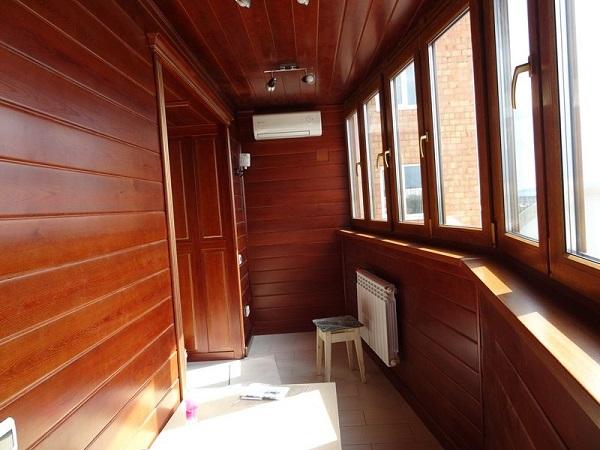 фото: балкон в стиле шале