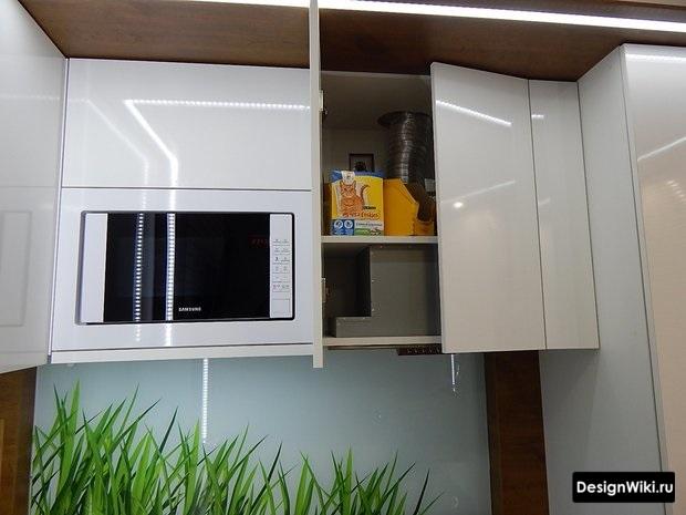 Идея хранения в дизайне маленькой кухни