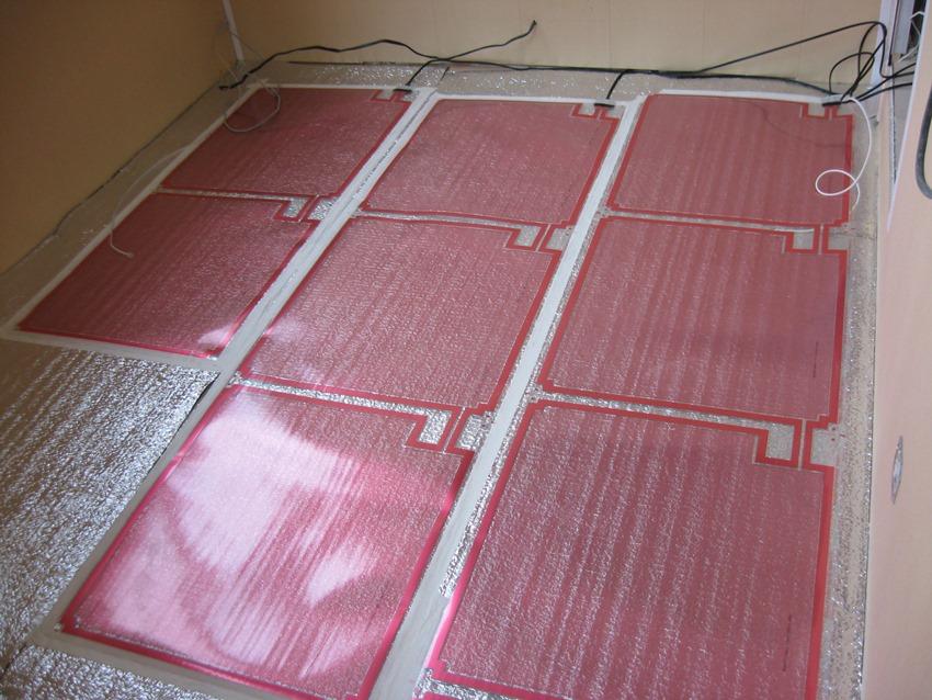 Инфракрасная система подогрева пола способна автоматически поддерживать идеальную температуру в помещении.