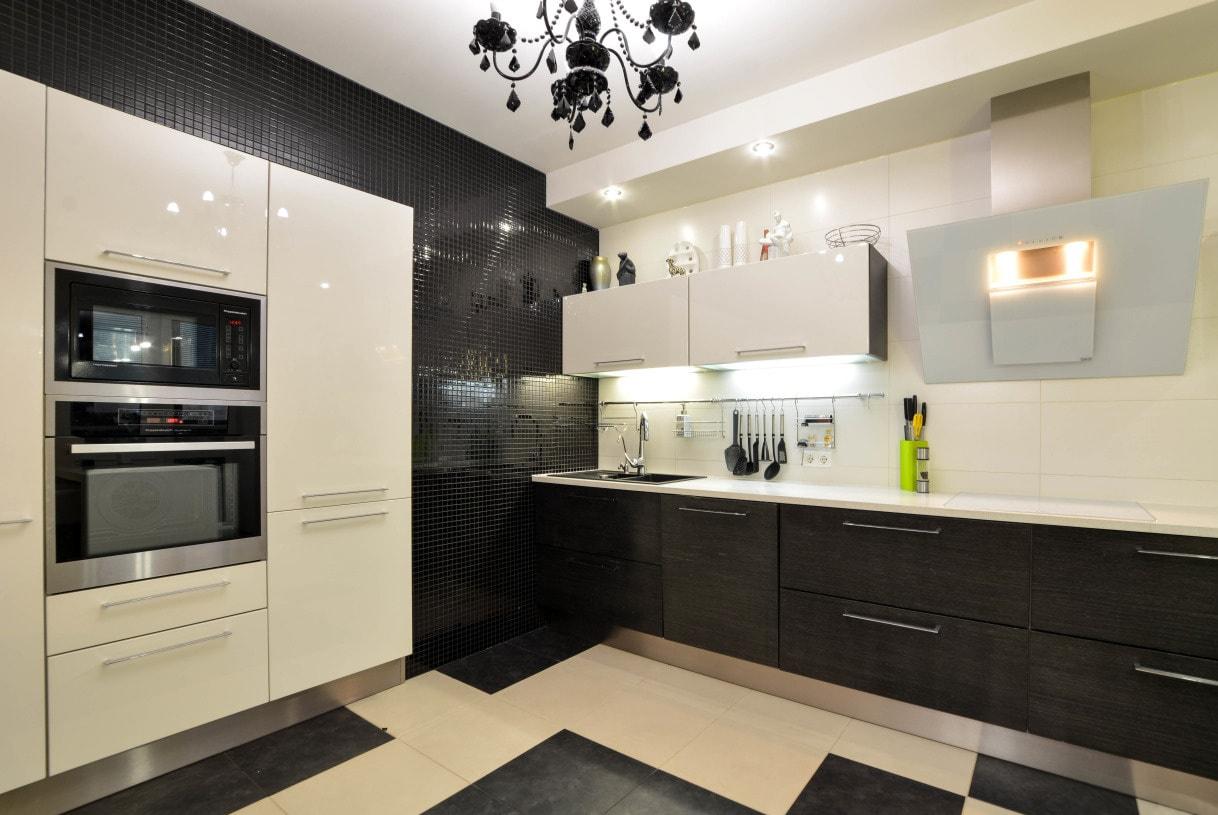 Мозайка на стенах кухни