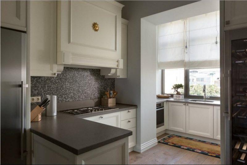 Интерьер кухни с балконом фото