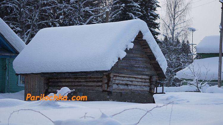 баня зимой под снегом