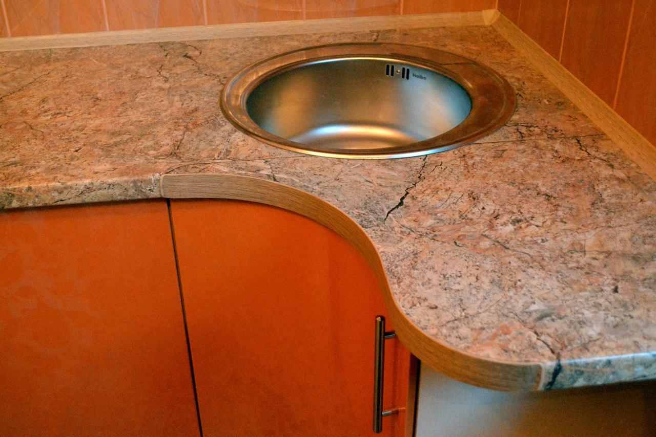 стыковка полукруглая столешница для кухни