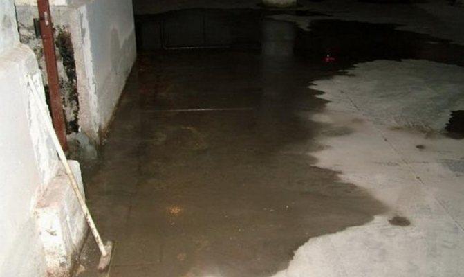 как высушить помещение после затопления