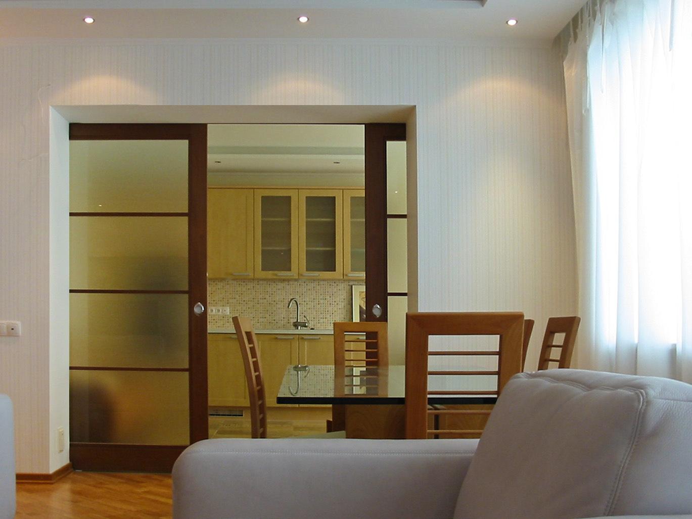 Перепланировка квартиры: просто добавить дверь