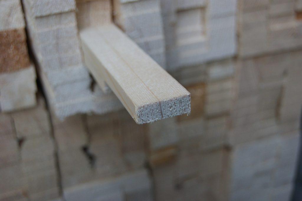 Деревянные рейки для утепления железной двери