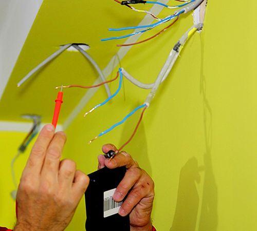 Специальные приборы помогут узнать предназначение конкретного провода
