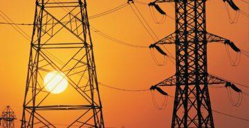 Провода тока от опоры ЛЭП к домам