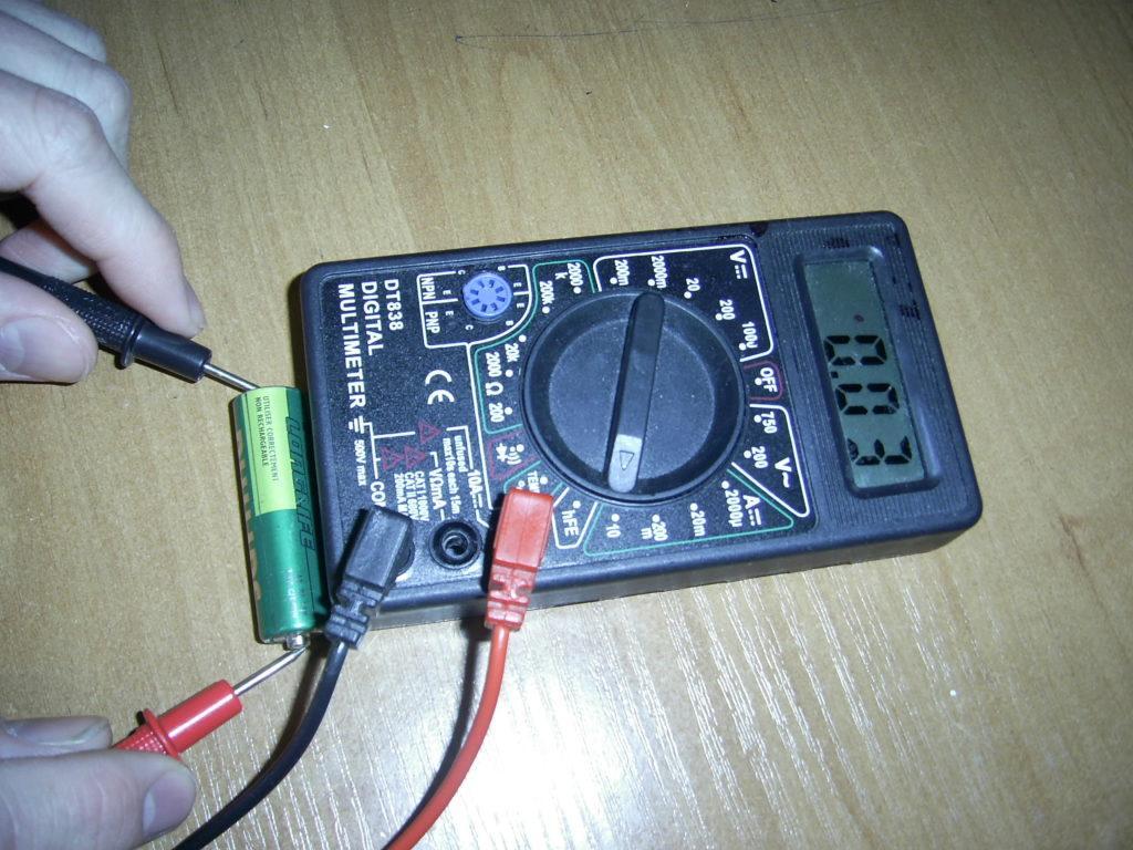 Мультиметр для поиска обрыва проводки в стене