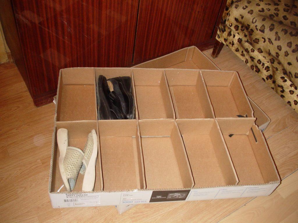Обувная полка из обувных коробок
