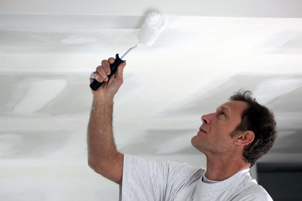 Глянцевая побелка потолка