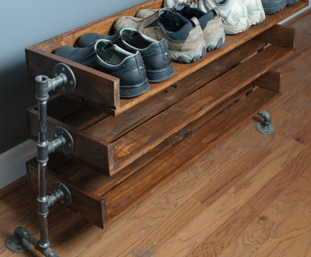 Обувная полка из доски